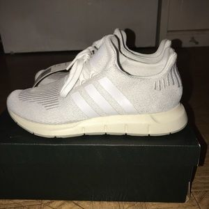 Adidas Swift Run Trainers White Shoes